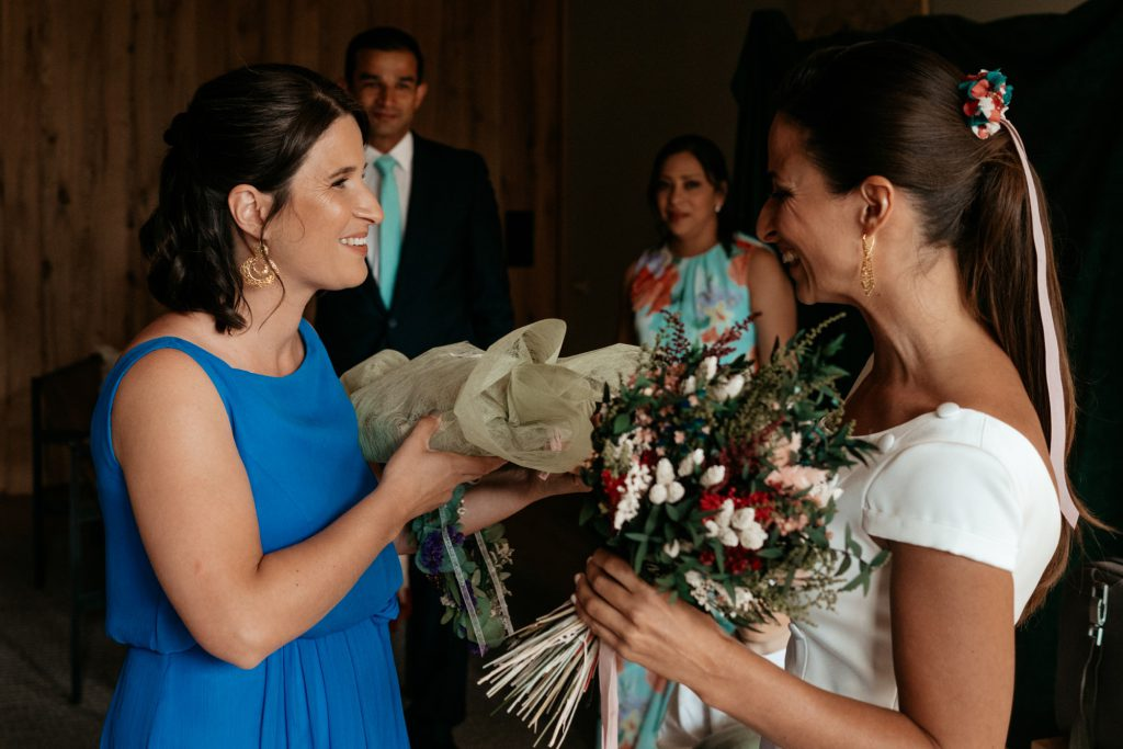 natural wedding photo elegant ana y elena girona 0013