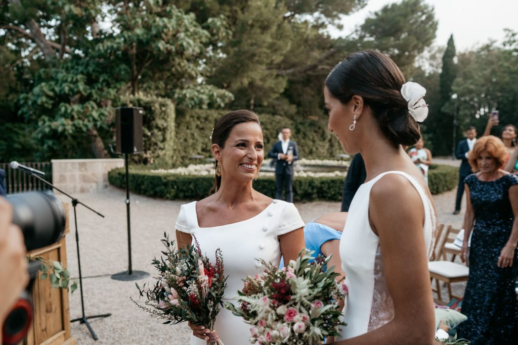 natural wedding photo elegant ana y elena girona 0025