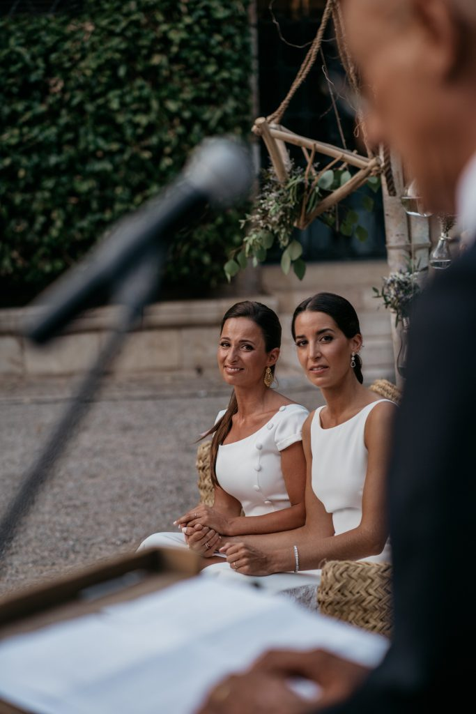 natural wedding photo elegant ana y elena girona 0035